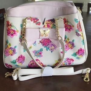 🛍🎀SALE!!! All must go!🎀 Betsey Johnson satchel